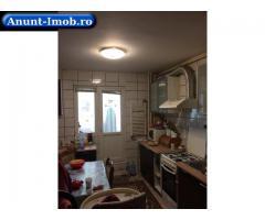 Vând apartament 3 camere,semidecomandat, 70 mp