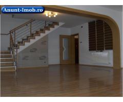 Anunturi Imobiliare Inchiriez Vila 10 camere Parcul Copiilor