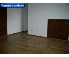 Particular, vand apartament 3 camere in vila, Tineretului.