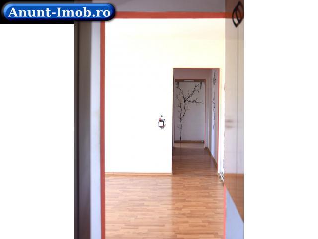 Anunturi Imobiliare apartament cu 3 camere 54 mp utili etaj 4/4 mansarda zona km