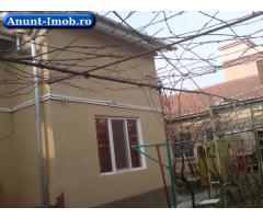 Anunturi Imobiliare Dau in chirie apartament la casa, situat central in Oradea