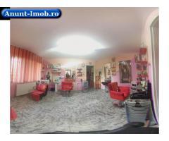 Anunturi Imobiliare Salon de infrumusetare  3 camere in Piata Astra.
