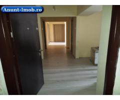 Anunturi Imobiliare De vanzare apartament 4 camere