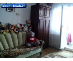 Anunturi Imobiliare Vand apartament 3 camere semidecomandat etaj 2 Mioritei