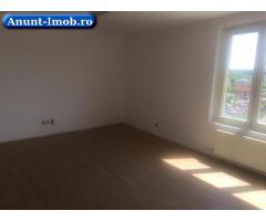 Dau in chirie apartament cu 3 camere in Floresti